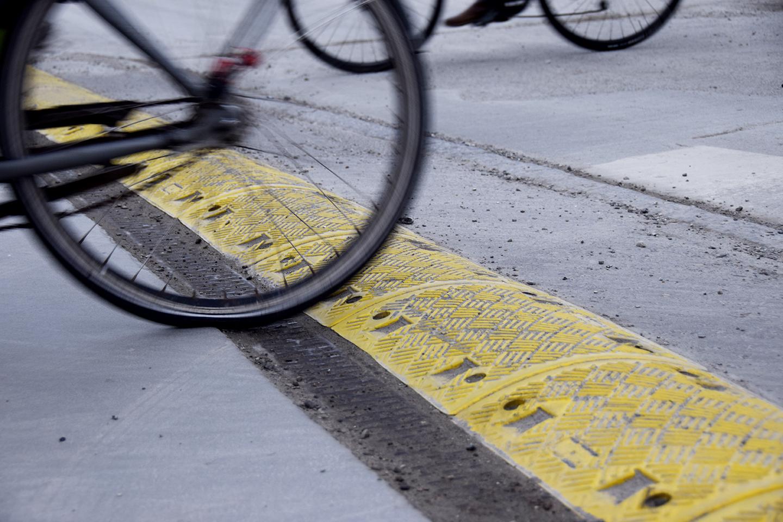 Cykler ved bump v PAPIRØENS byggeplads