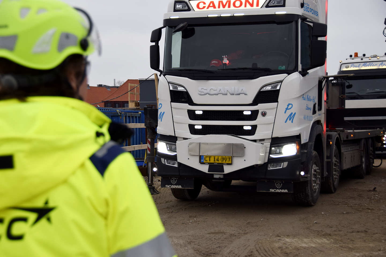 Lastbil på PAPIRØENS byggeplads