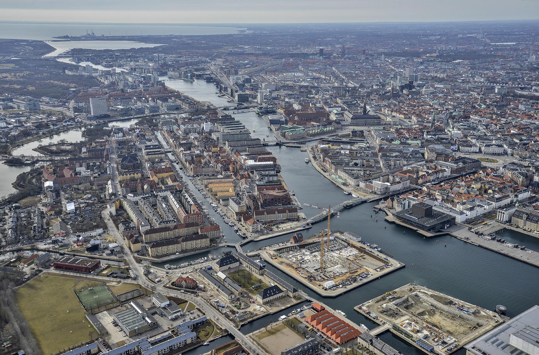 Luftfoto over København og PAPIRØEN