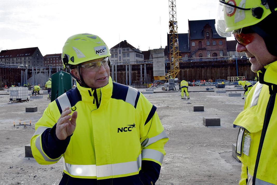 PAPIRØEN - John Mihalech, NCC