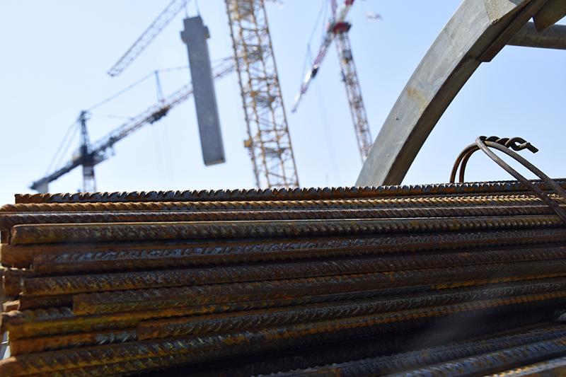 PAPIRØEN - betonelementer, bygningerne rejser sig på byggepladsen