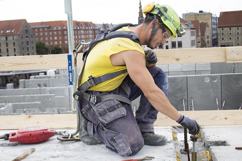 Papirøen - klargøring på bygning til element montering.