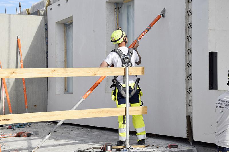 Papirøen - element sikres i byggefasen.